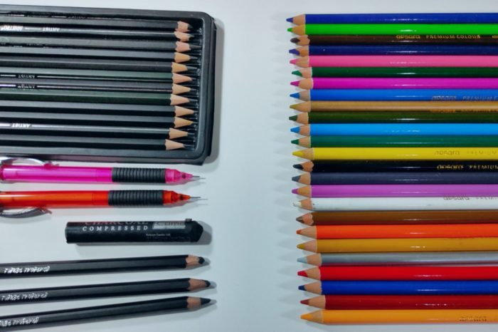 Different Type of Drawing pencil for artists